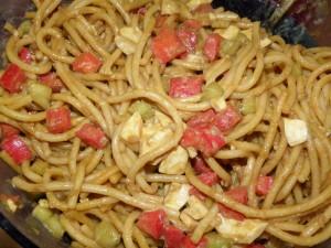 Asiatischer Nudelsalat mit Curry