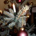 Weihnachten fing an mit Baum schmücken...