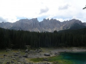 Karersee mit Latemar-Gebirge